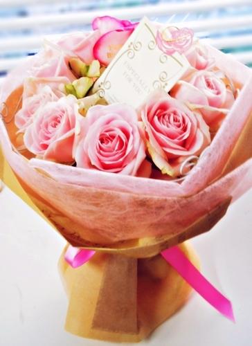 8メッセージ入りバラ花束 レターローズ