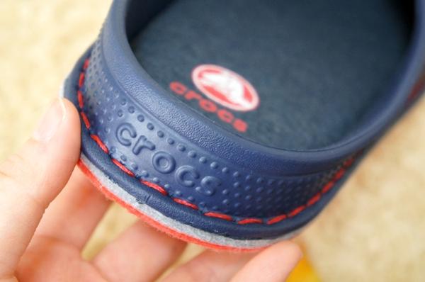 クロックスロッジ スリッパ(crocslodge slipper)