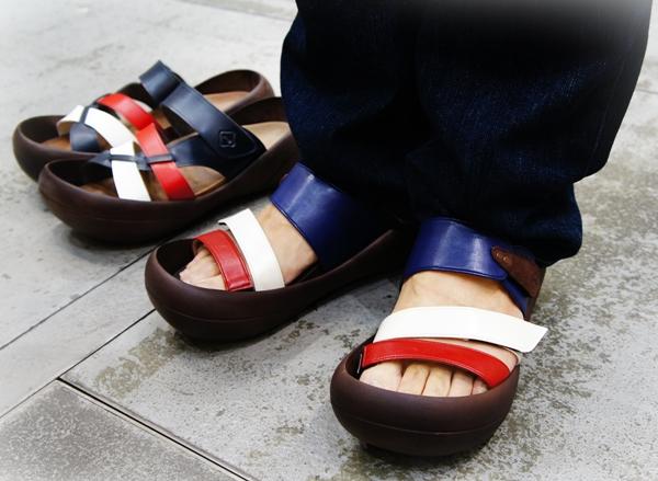 大阪認定 リゲッタカヌー(RegettaCanoe) 国旗柄ビッグフットサンダル (メンズ)