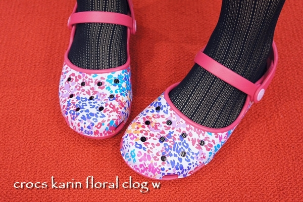 crocs karin floral clog w クロックス カリン フローラル クロッグ ウィメン