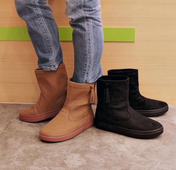クロックス ロッジポイント シンセティック スエード ブーツ ウィメン