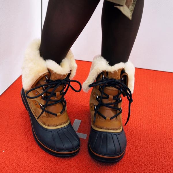 クロックス Women's AllCast II Luxe Shearling Boot オールキャスト 2.0 ラックス ブーツ ウィメン