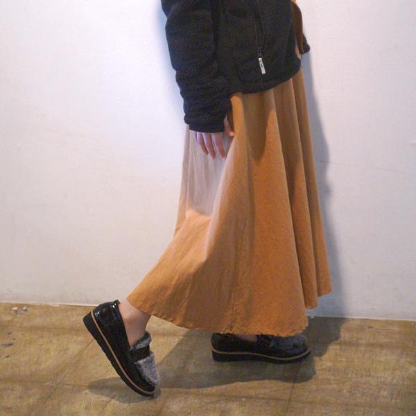 浜島 直子さん はまじとコラボ 1足で2顔使える ふわふわフェイクファーローファー