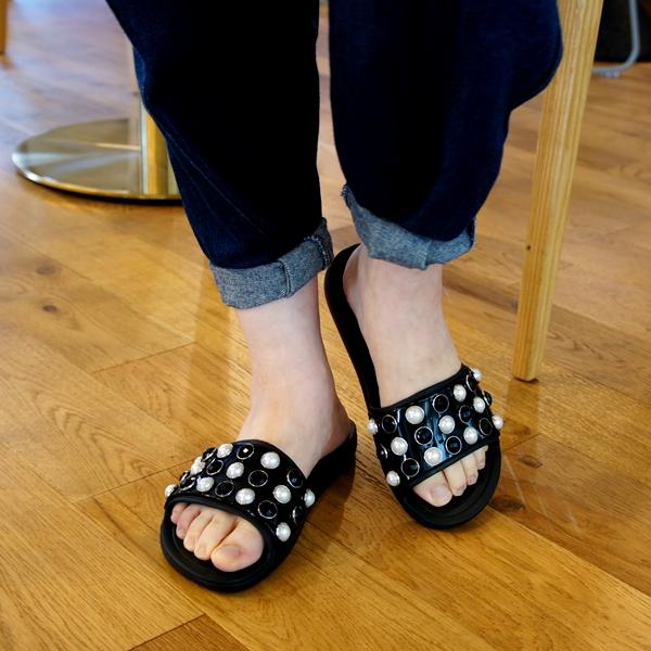 クロックス Women's Crocs Sloane Timeless Clash Pearls Slide クロックス スローン タイムレス パール スライド ウィメン