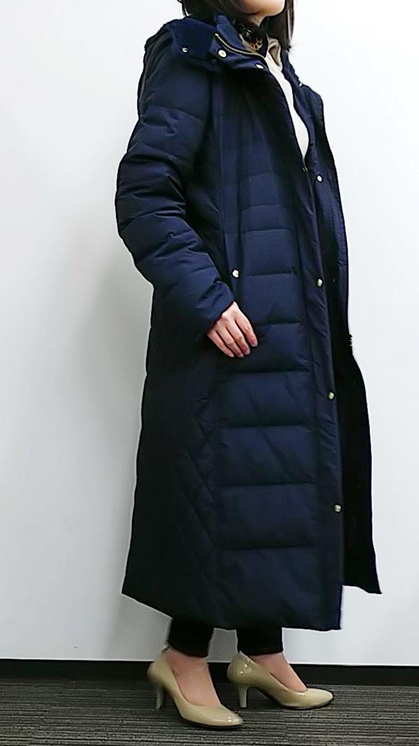 フェリシモ リブ イン コンフォート 寝袋級の暖かさ! サイドキルティングの超ロングダウンコート〈ネイビー〉