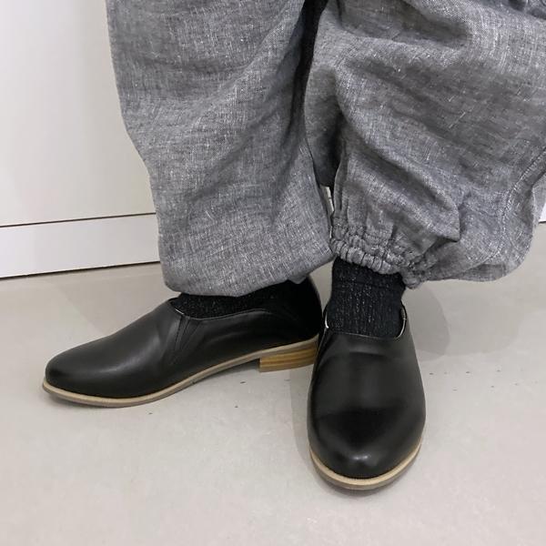 フェリシモ スポっと履けて大人気。 浜島直子さんコラボシューティ はまじシューティー